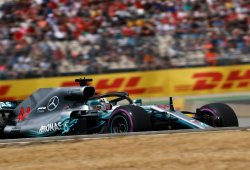 Hamilton conquista Hockenheim con un fallo mundial de Vettel