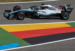 Mercedes arranca el Gran Premio de casa por detrás de Red Bull