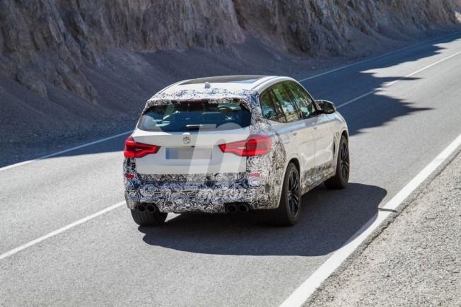 BMW X3 M 2019 - foto espía posterior