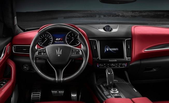 Maserati Levante GTS 2019 - interior