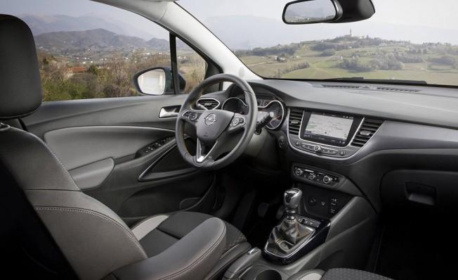 Opel Crossland X - interior