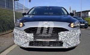 Nuevas fotos espía de un prototipo del nuevo Ford Focus ST nos permiten ver su interior