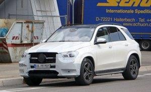 Mercedes ultima la puesta a punto del nuevo GLE casi desnudo antes de su debut mundial