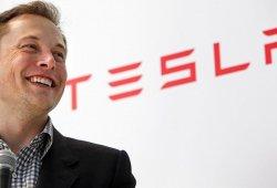 Elon Musk revela que Tesla está desarrollando un mini coche eléctrico