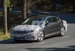 Volkswagen Passat GTE 2019: primeras imágenes del renovado sedán híbrido