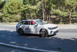 El nuevo Volkswagen Tiguan L GTE híbrido cazado en Europa