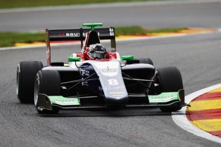 Beckmann se estrena en la pole en una igualadísima clasificación