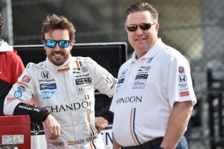 """Zak Brown: """"Alonso está muy interesado en la IndyCar"""""""