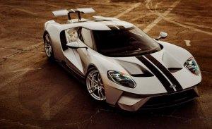 Mecum Auctions no logra vender el Ford GT que les costó una demanda