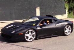 Misteriosa mula híbrida del Ferrari 458 avistada en Italia