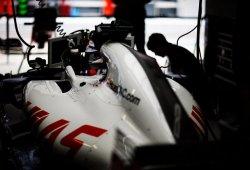Haas pide recuperar dos juegos de neumáticos dañados en un incendio