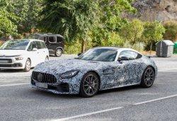 Misterioso prototipo del Mercedes-AMG GT R cazado en la calle