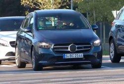 El nuevo Mercedes Clase B, casi al desnudo, en este vídeo espía