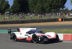 El Porsche 919 Hybrid Evo deja su sello en Brands Hatch