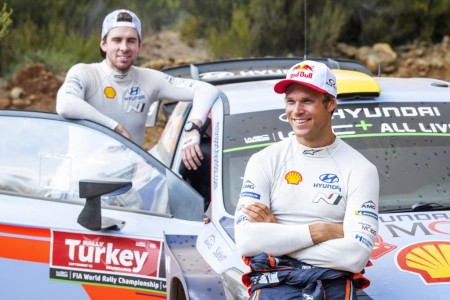 Andreas Mikkelsen, primer líder del Rally de Turquía