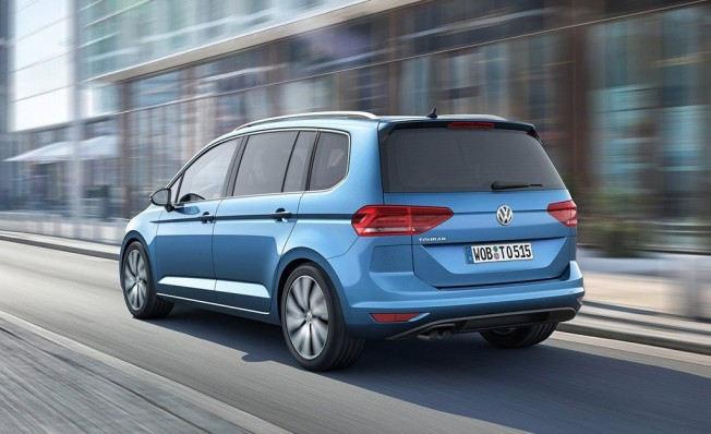 Volkswagen Touran 2019 - posterior