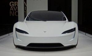 Tesla tan solo presentó un prototipo estático del Roadster en Grand Basel