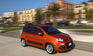 Italia - Agosto 2018: El Fiat Panda corta su racha de 79 victorias consecutivas