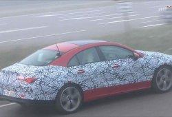El nuevo Mercedes Clase CLA pierde gran parte del camuflaje