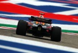 """Verstappen, fuera de juego por una avería: """"Toqué el bordillo y la suspensión falló"""""""