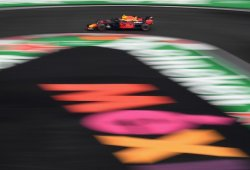 Verstappen conquista México y Hamilton se proclama pentacampeón