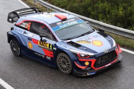 Sordo es líder del Rally RACC tras el pinchazo de Tänak