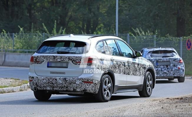 BMW X1 híbrido enchufable - foto espía posterior