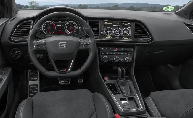 SEAT León ST Cupra Black Carbon - interior