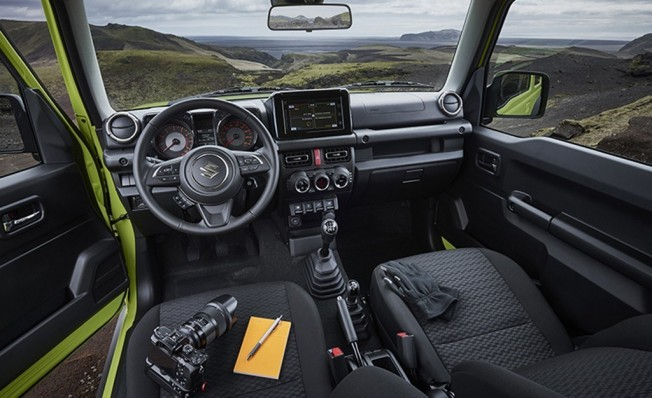 Suzuki Jimny 2019 - interior
