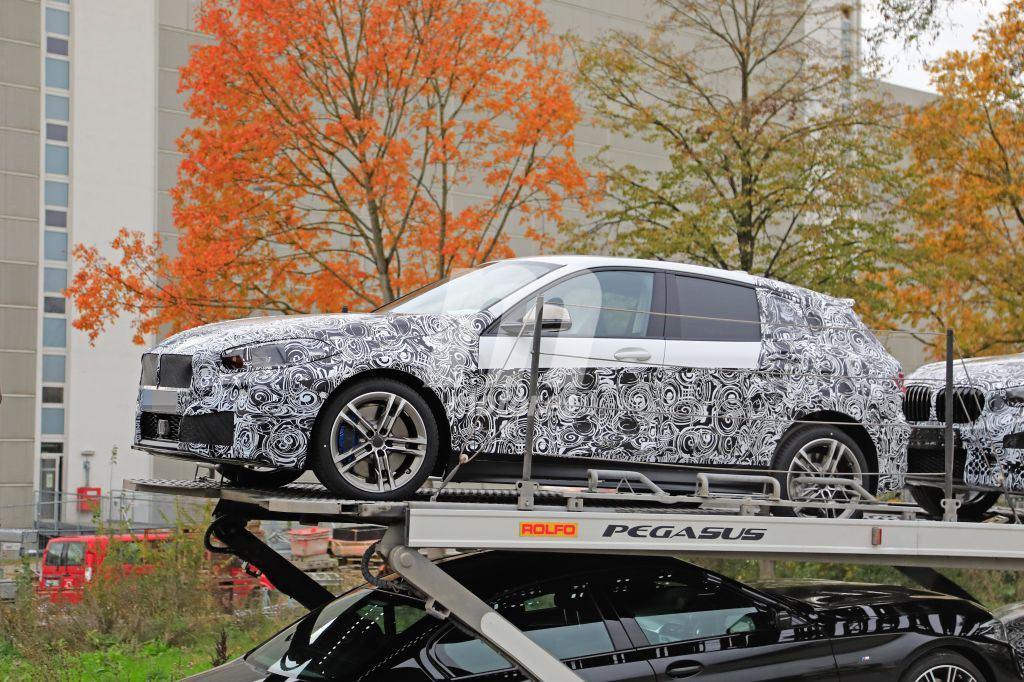 2018 - [BMW] Série 1 III [F40-F41] - Page 9 Bmw-serie-1-f40-2019-fotos-espia-201851582_1