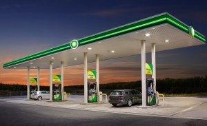 El Gobierno multará a 1.200 gasolineras si no instalan puntos de carga rápida para eléctricos