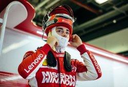 Leclerc cierra la temporada en lo más alto, Sainz completa 800 km. con McLaren