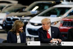 Donald Trump amenaza con cortarle los subsidios a General Motors