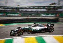 La suerte del campeón, en forma de Ocon, le da la victoria a Hamilton