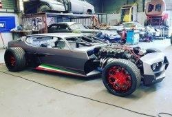 Convierten un Lamborghini Espada en un Hot Rod ciberpunk retrofuturista