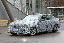 La nueva generación del Mercedes Clase C cazada a plena luz del día