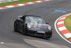 Porsche prueba el Taycan junto a varias versiones del 911 en Nürburgring