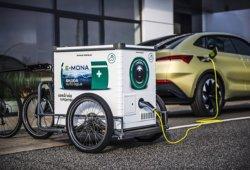 Škoda presenta E-Mona, el dispositivo de carga móvil para coches eléctricos