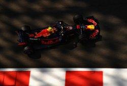 Verstappen y Ricciardo marcan distancias en la última FP1 de 2018