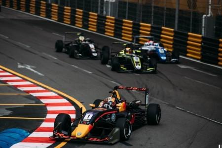 Daniel Ticktum es bicampeón de la Copa Mundial de F3