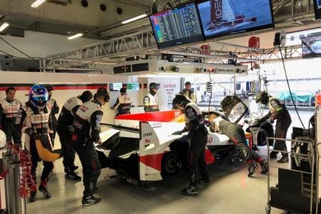 Doblete de Toyota en unos libres de pista cambiante en Shanghái