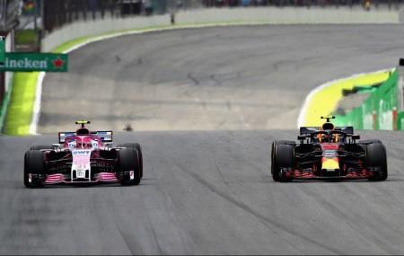 'Dos tontos muy tontos' a final de recta en Interlagos