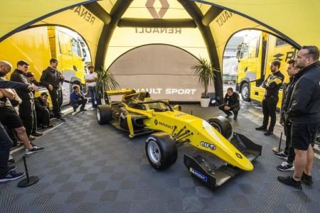 Alonso aterriza en la Fórmula Renault con FA Racing