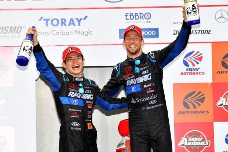 Jenson Button y Naoki Yamamoto ganan el Súper GT