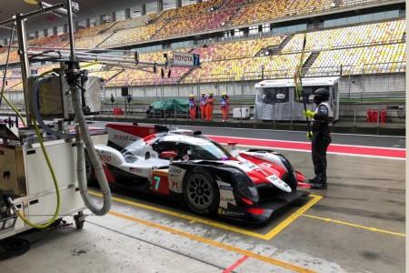 'Pechito' coloca al Toyota #7 al frente del FP2 en Shanghái
