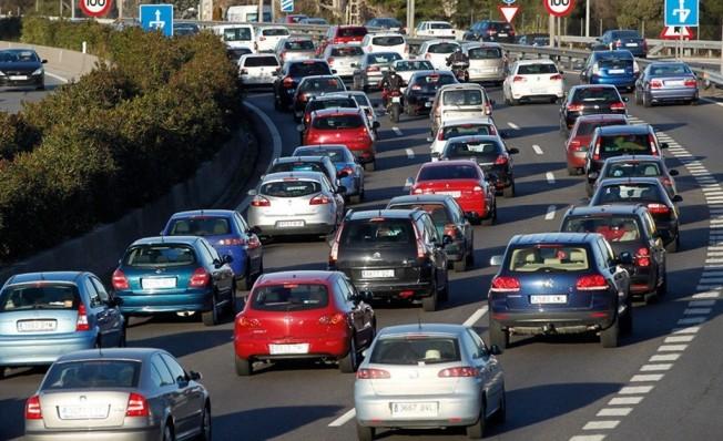 el gobierno quiere prohibir la venta de coches diésel, gasolina e