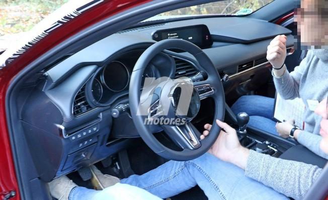 Mazda3 2019 - foto espía interior