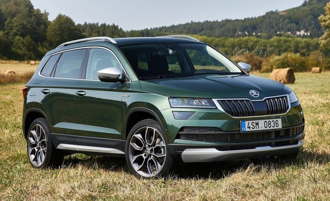 skoda karoq versi n scout o sporline tiene precio en espa a. Black Bedroom Furniture Sets. Home Design Ideas