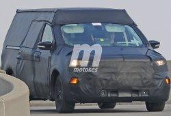 Ford Courier, el nuevo pick-up basado en el Focus, cazado a plena luz del día