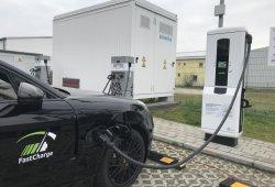 Porsche trabaja en una estación de carga ultrarrápida para todos los eléctricos del mercado